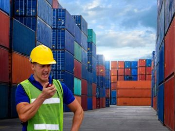 container worker port
